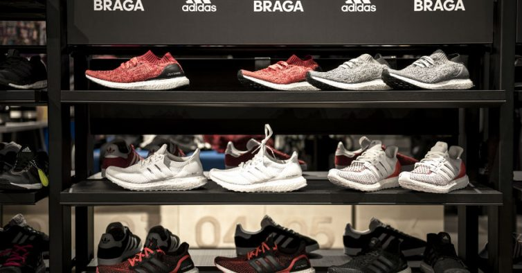 Endulzar whisky Explícitamente  Adidas abre mega store em Braga - NiT