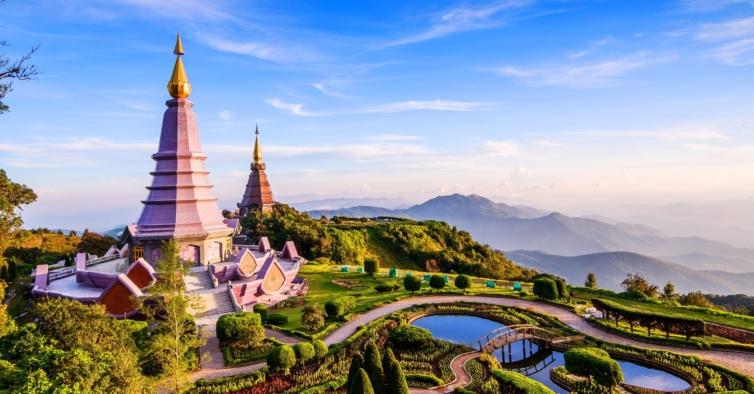 Turista preso na Tailândia arrisca dois anos de cadeia por crítica negativa a resort