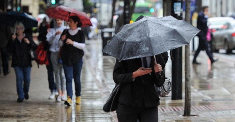 Chuva coloca três distritos do continente e Açores sob aviso amarelo