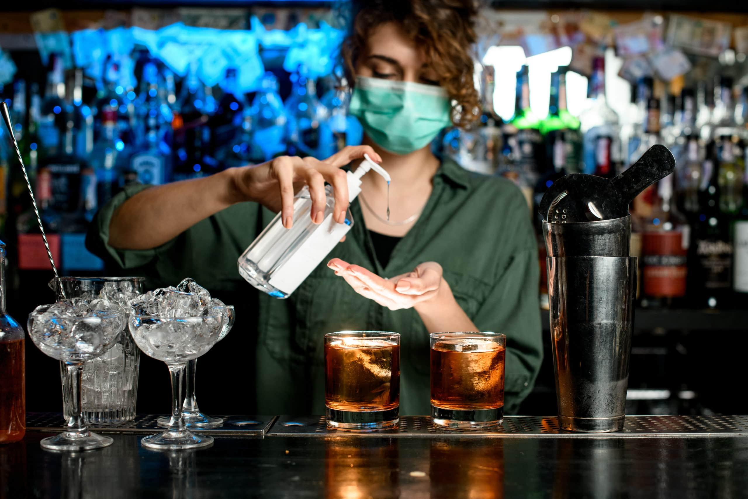 4 coisas que nunca mais vai ver em bares quando voltarem a abrir