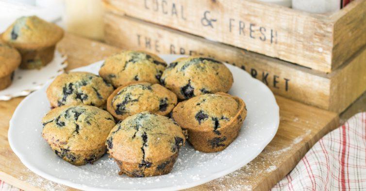 Muffins de matcha e framboesa
