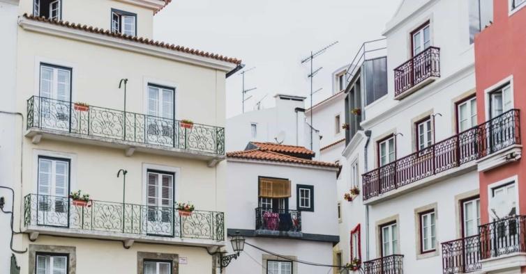 Lisboa e Porto perderam 2900 alojamentos locais no último ano