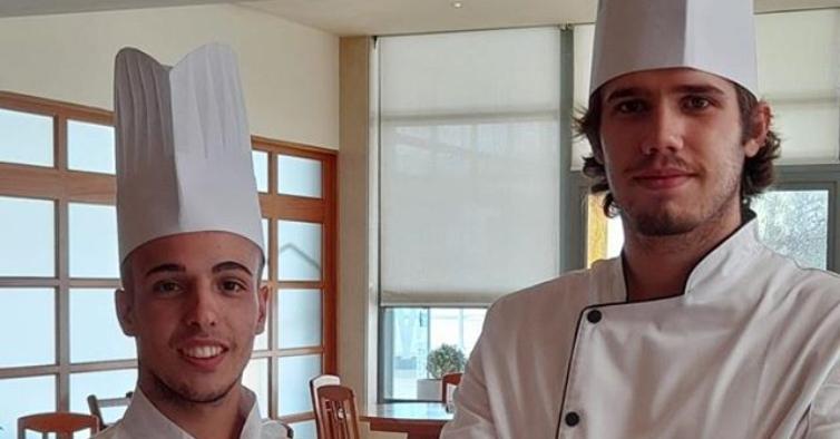 Só têm 20 e 21 anos, mas já mandam na cozinha do restaurante de um hotel do Alentejo