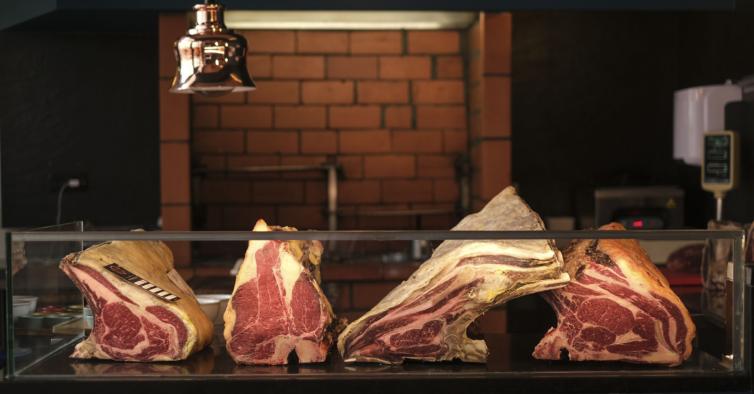 A nova taberna de Lisboa esconde alguma da melhor carne do mundo