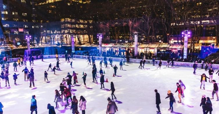 As pistas de gelo e o incrível Natal de Nova Iorque estão de volta