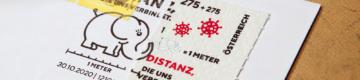 O selo austríaco que promove o distanciamento social é feito de papel higiénico