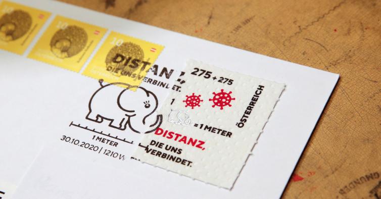 O selo australiano que promove o distanciamento social é feito de papel higiénico