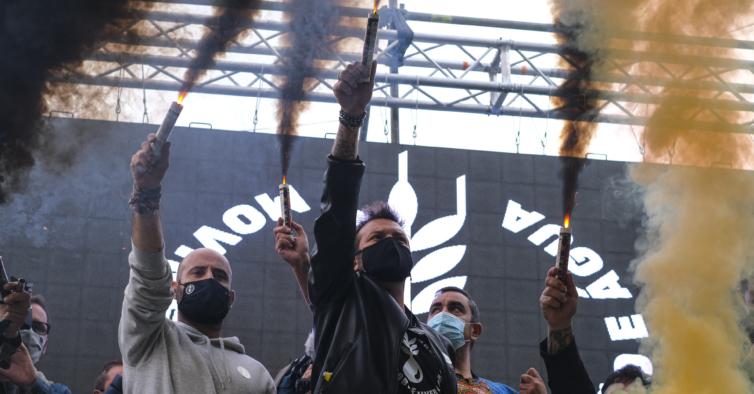 Passámos o dia com Ljubomir Stanisic aos berros na manifestação em São Bento