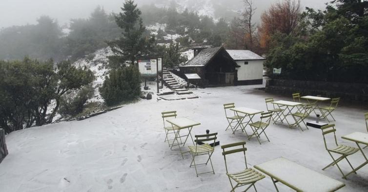 Imagens insólitas mostram a Madeira coberta de neve