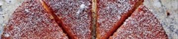 O bolo de laranja viral nas redes sociais em Portugal faz-se com 5 ingredientes