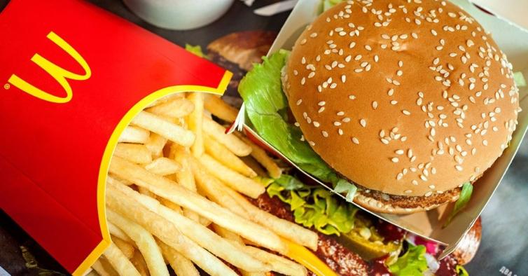 McDonald's está a oferecer hambúrgueres, gelados e nuggets até ao final de dezembro