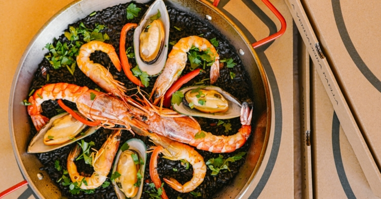 As novas paellas de Lisboa são entregues em casa — e estão com desconto
