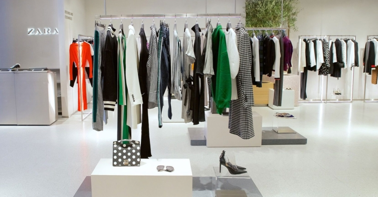 O vestido da Zara que é ideal para estes tempos de confinamento custa 9,99€