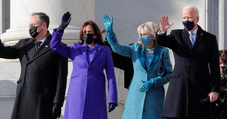 Porque é que tantas mulheres se vestiram de roxo na tomada de posse de Joe Biden?