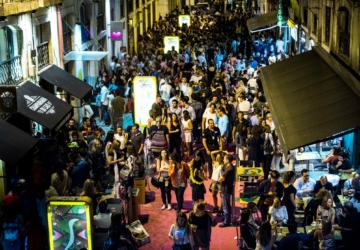 As históricas discotecas Tokyo, Jamaica e Europa vão mesmo sair da rua cor-de-rosa