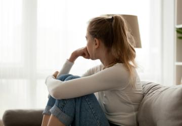Hospitais recebem cada vez mais jovens com problemas de ansiedade