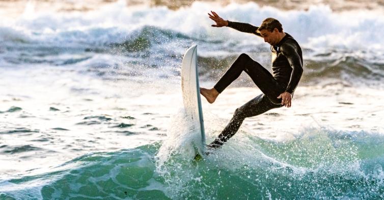 Marinha Grande também já permite prática de surf durante o confinamento