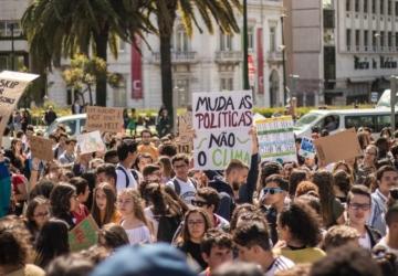 Há uma nova mobilização pelo clima convocada para março