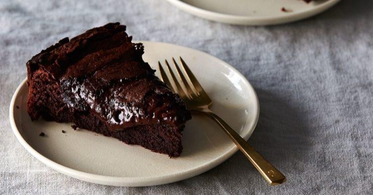 Bolo de chocolate de 3 ingredientes
