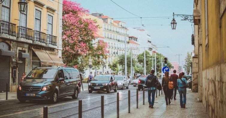 Há mais 553 infeções e 4 mortes pelo novo coronavírus em Portugal
