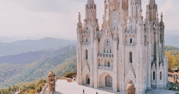 Esta escapadinha para Barcelona só custa 180€ (com voo e hotel)