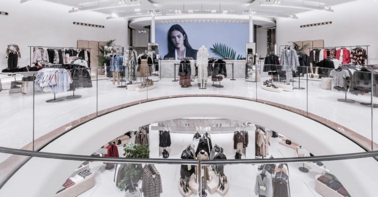 O novo macacão sexy da Zara pode ser usado de mil maneiras diferentes