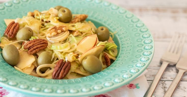 Salada de aipo e alho francês
