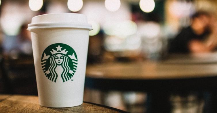 Bubble Pop: o novo frappuccino azul da Starbucks que sabe a pastilha elástica