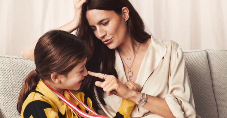 Pandora lançou anéis e pulseiras especiais para oferecer à melhor mãe do mundo