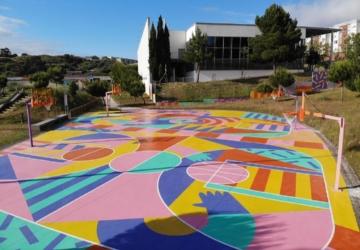 Lisboa tem mais um campo desportivo cheio de arte urbana