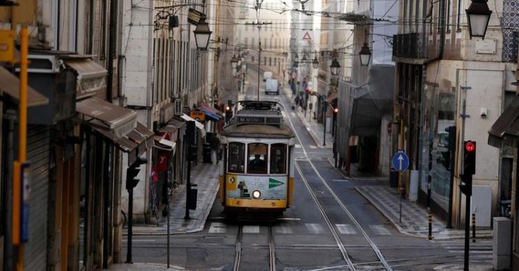 Há mais 13 mortos e 3.452 novos casos de Covid-19 em Portugal