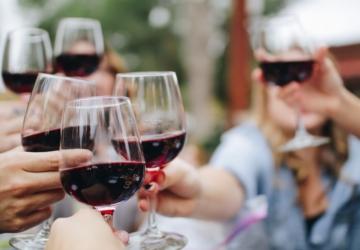 A Deco já tem uma garrafeira online — com vinhos, cervejas e espumantes
