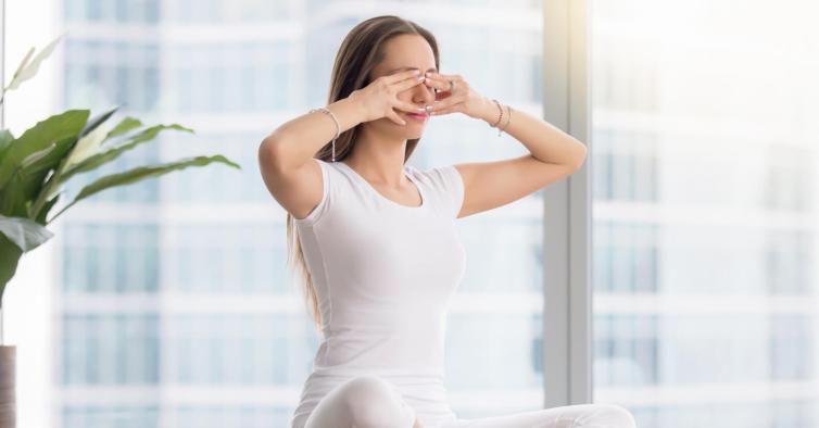 Eye yoga: sabia que existe uma técnica para exercitar os olhos no teletrabalho?