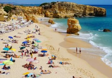 Época balnear arranca no final de maio em algumas praias do País