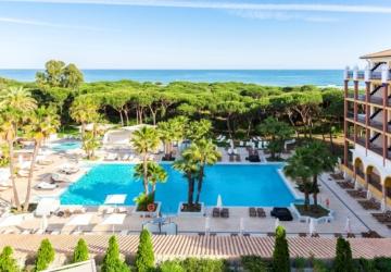 O emprego perfeito: hotel espanhol paga 4 mil euros para estar dois meses de férias