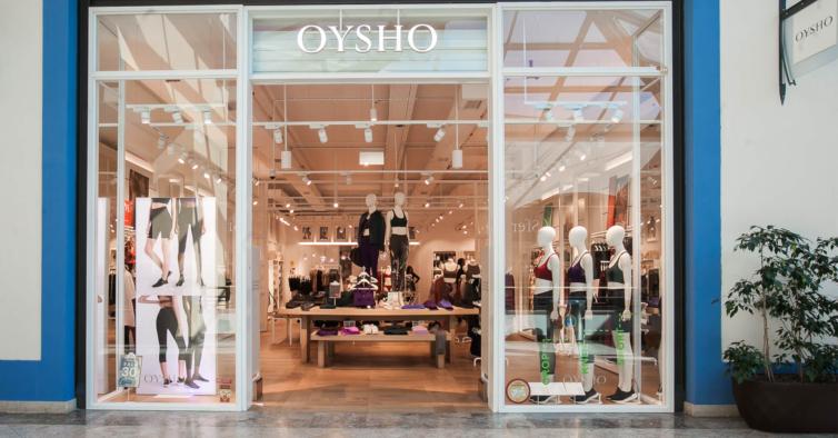 O vestido desportivo da Oysho que esculpe a silhueta (custa 30€)