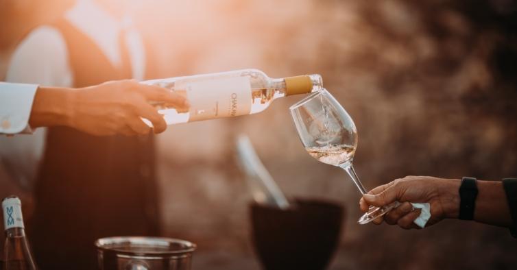 Pague 7€ e prove mais de 200 vinhos neste Summer Wine Market do Porto