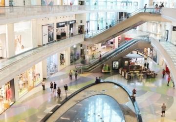 Centros comerciais da CBRE passam a ter cacifos CTT para levantamento de encomendas