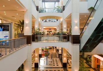 Arrábida Shopping recebe exposição gratuita sobre o percurso de Vieira da Silva
