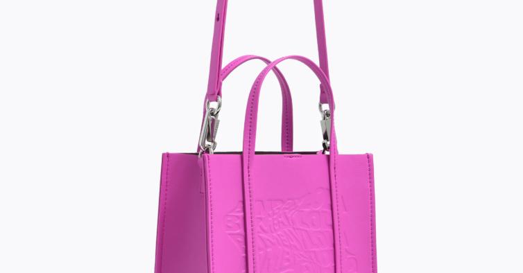 Bolsa em rosa chiclete (145€)