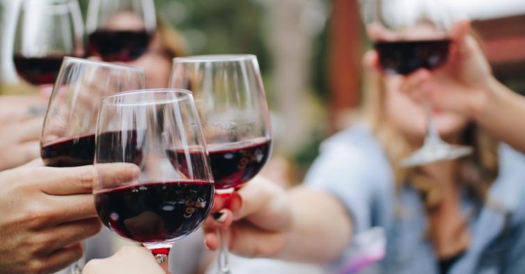 Está a chegar ao Porto o festival onde paga 15€ e prova mais de 200 vinhos