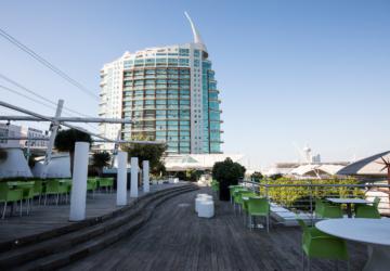 Centro comercial Vasco da Gama vai ter DJ sets ao pôr do sol nesta esplanada