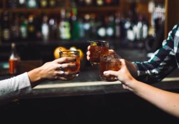 AHRESP exige a reabertura imediata de bares e discotecas