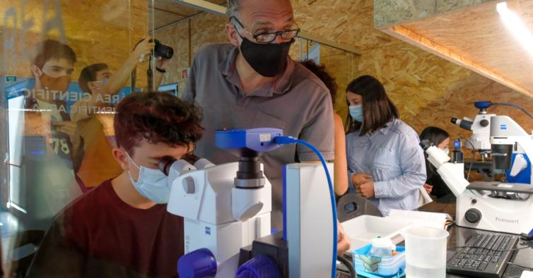 Viana do Castelo tem um laboratório com minissubmarino e um aquário de 14 metros quadrados