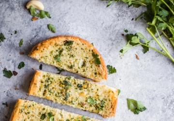 Domino's, Pizza Hut ou Telepizza: qual é o pão de alho mais calórico?