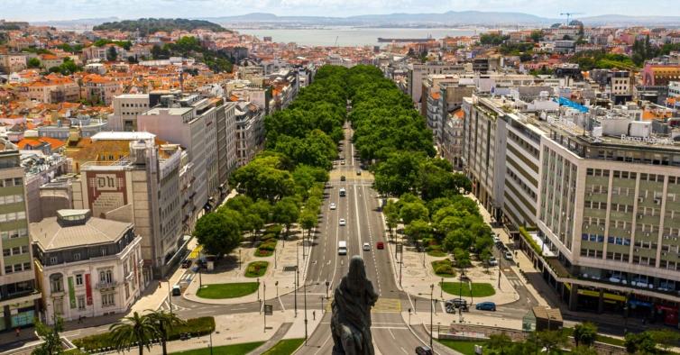 Sabe onde os espiões dormiam e bebiam café em Lisboa? Este passeio mostra-lhe tudo