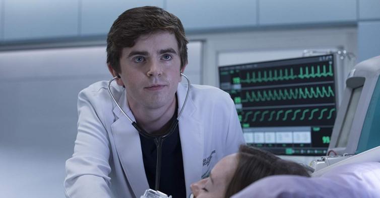 """Freddie Highmore: """"É uma honra enorme interpretar um médico na televisão nesta altura"""""""